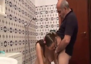 Father has hot time with daughter