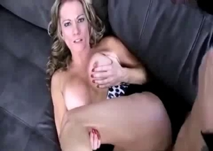 Foul mommy lets you fuck her nicely