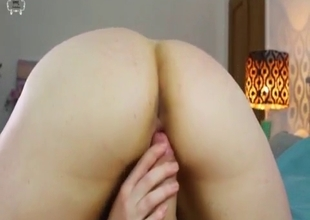 Pleasant mother's pussy experience