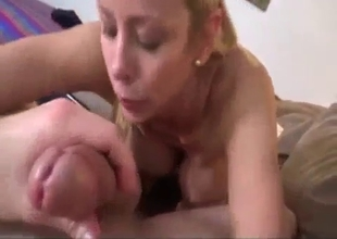 Sticking a dick into a busty mom