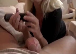 Hot ass mom takee her jeans off