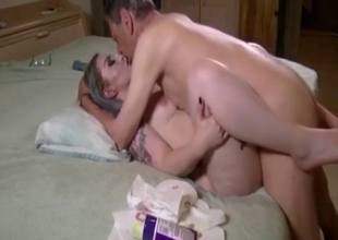 Prurient mommy wants to fuck