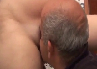 Huge tit daughter in bath with her parent
