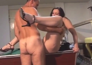 Filthy dad lets daughter suck after pool
